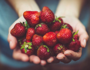 healthy-office-food-strawberries