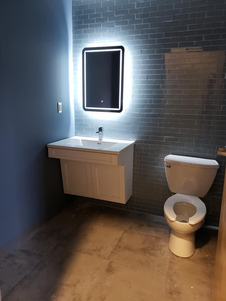 Applya/Arcpoint Bathroom
