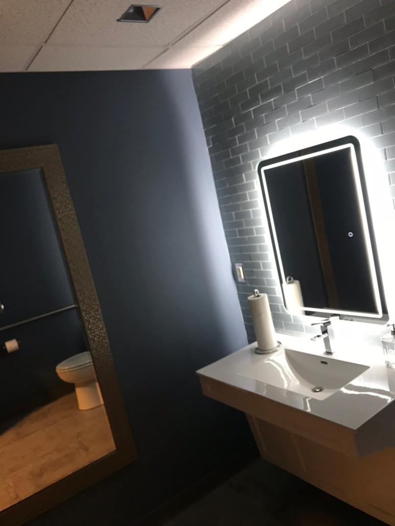 Applya/Arcpoint Remodeled Bathroom
